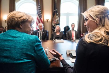 Con gái ông Trump sẽ có văn phòng riêng tại Nhà Trắng - ảnh 1