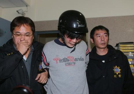 Thủ phạm chặt đầu bé gái 4 tuổi bị tù chung thân - ảnh 1