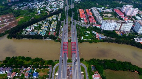 Toàn cảnh khu nhà giàu Sài Gòn bị mùi hôi bao phủ - ảnh 2