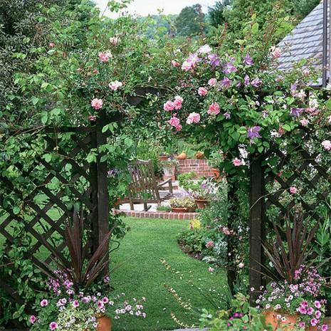 Lối vào nhà vườn thơ mộng với cổng hoa - ảnh 5