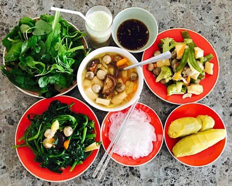 Biệt thự nhà vườn ngập hoa quả của diễn viên Việt Trinh - ảnh 11