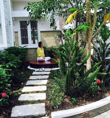 Biệt thự nhà vườn ngập hoa quả của diễn viên Việt Trinh - ảnh 1
