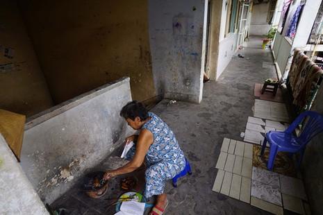 TPHCM: Cận cảnh thót tim ở chung cư Vĩnh Hội - ảnh 12
