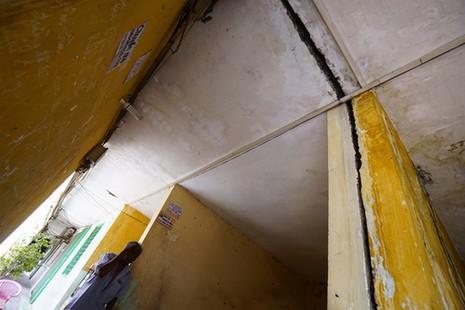 TPHCM: Cận cảnh thót tim ở chung cư Vĩnh Hội - ảnh 6