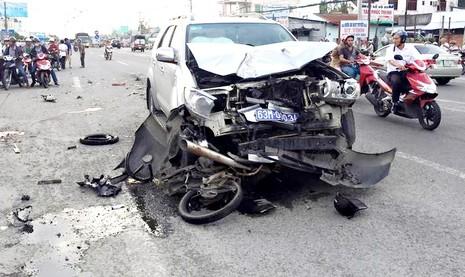 Tai nạn giao thông với xe biển số xanh, 1 người tử vong - ảnh 1