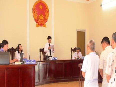 tòa tuyên án