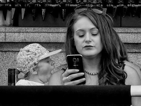 Tố cáo 10 sự thật đáng xấu hổ của xã hội hiện đại ngày nay - ảnh 1