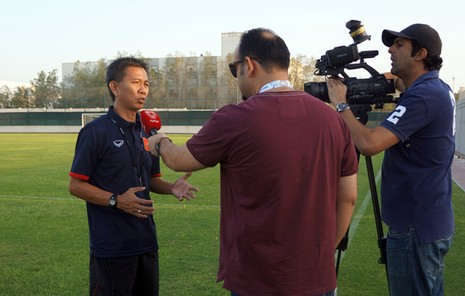 Cầu thủ U-19 Việt Nam hướng về miền Trung - ảnh 1