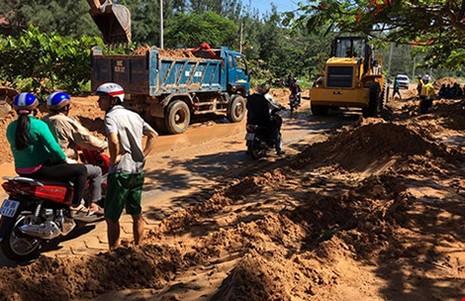 Bộ trưởng Trần Hồng Hà: Yêu cầu làm rõ vụ vỡ hồ chứa bùn đỏ ở Bình Thuận - ảnh 1
