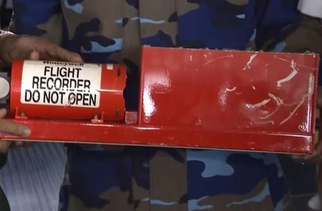 Bộ Quốc phòng: Giải mã, phân tích hộp đen máy bay Casa 212 tìm nguyên nhân - ảnh 2