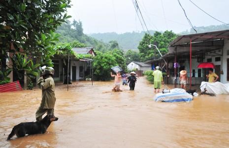 Miền Bắc tiếp tục đón nhận đợt mưa lũ lớn kéo dài