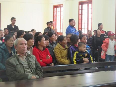 'Thủ lĩnh' nhóm 23 người ném mìn vào lễ ăn hỏi lãnh án tù - ảnh 2