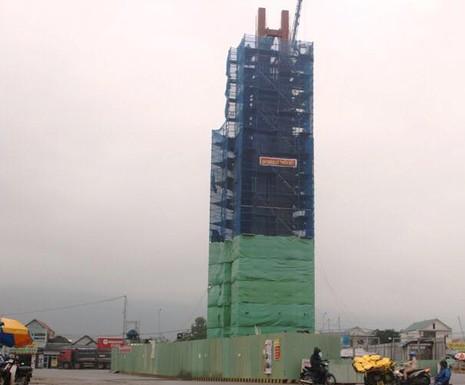 Formosa Hà Tĩnh xây dựng tháp 'tinh thần bảo lũy' không phép - ảnh 1