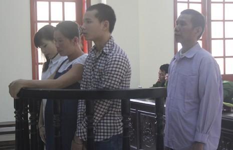 Chú bán cháu gái qua Trung Quốc lấy 100 triệu đồng - ảnh 1