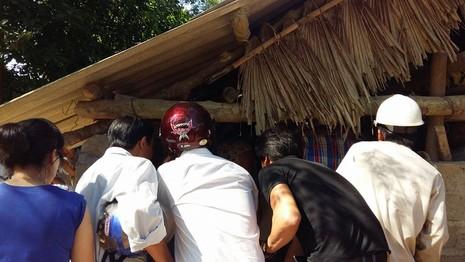 Đưa con trăn dài 4 m mà dân vái lạy ra Hà Nội chữa trị vết thương  - ảnh 2