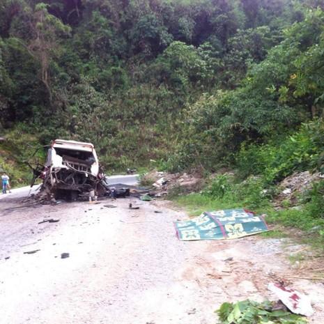 Nổ xe khách ở Lào: Đưa thi thể 8 người Việt về nước - ảnh 2