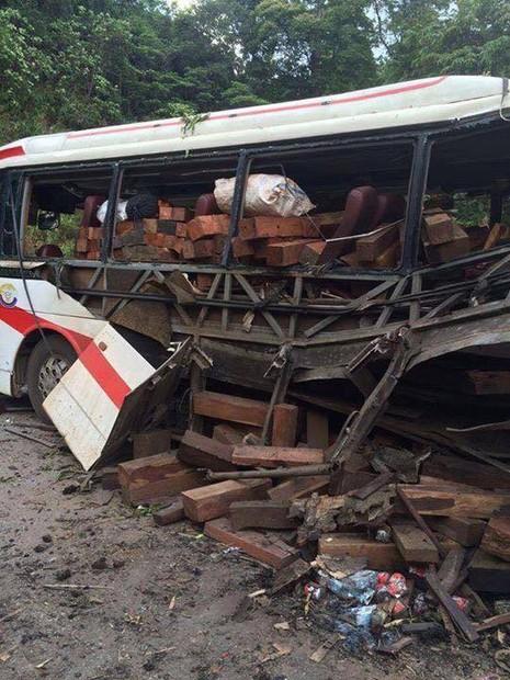 Nổ xe khách ở Lào: Đưa thi thể 8 người Việt về nước - ảnh 1