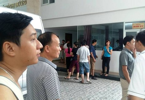 Gần 90 khách bị 'giam lỏng' vì khúc mắc giữa chủ tour và khách sạn  - ảnh 2