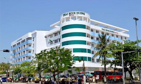 Gần 90 khách bị 'giam lỏng' vì khúc mắc giữa chủ tour và khách sạn  - ảnh 1