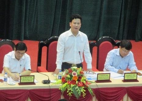 Ông Đặng Quốc Khánh, Chủ tịch UBND tỉnh Hà Tĩnh đối thoại thẳng thắn với các doanh nghiệp.