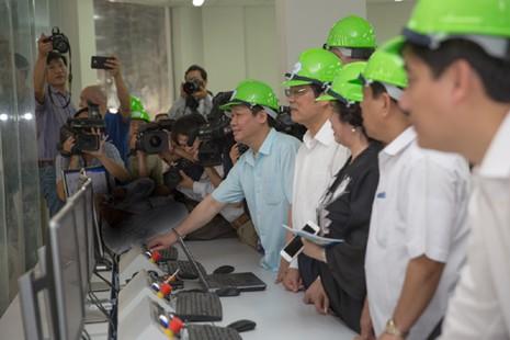 Phó Thủ tướng cắt băng khánh thành nhà máy gỗ 300 triệu USD - ảnh 2