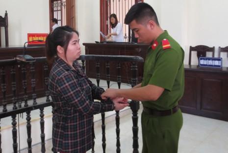 Bán em chồng sang Trung Quốc để lấy tiền xài - ảnh 2