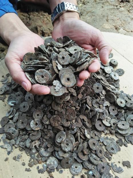 Số tiền đồng cũ được tìm thấy tại nhà ông Điền.