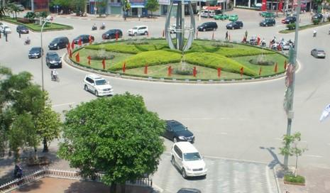 Khởi tố vụ bắn vào taxi khiến 2 người bị thương - ảnh 2
