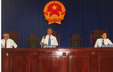 Đang xét xử Phó Công an TP Tuy Hòa trong vụ đánh chết nghi can - ảnh 3