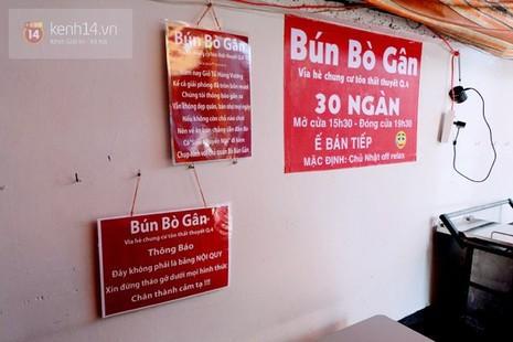 Quán bún bò gân 'bá đạo' nhất Sài Gòn thay bảng nội quy bằng... thơ - ảnh 2