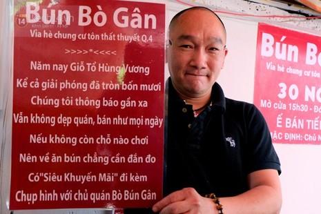 Quán bún bò gân 'bá đạo' nhất Sài Gòn thay bảng nội quy bằng... thơ - ảnh 1