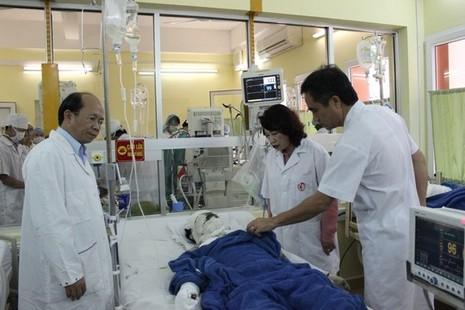 Lãnh đạo tỉnh Quảng Ninh thăm hỏi các bệnh nhân