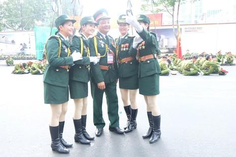 Tổng duyệt diễu binh, diễu hành kỷ niệm 40 năm thống nhất đất nước - ảnh 8