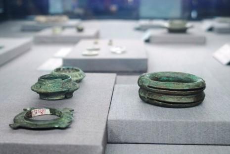 Trưng bày bộ sưu tập 100 món trang sức cổ của người Việt  - ảnh 5