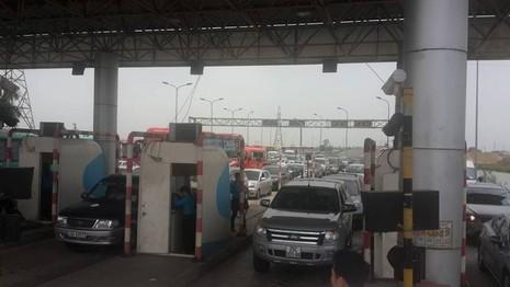 Hàng ngàn xe ô tô ùn tắc trên đường cao tốc Ninh Bình – Cầu Giẽ - ảnh 8