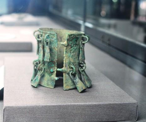 Trưng bày bộ sưu tập 100 món trang sức cổ của người Việt  - ảnh 9