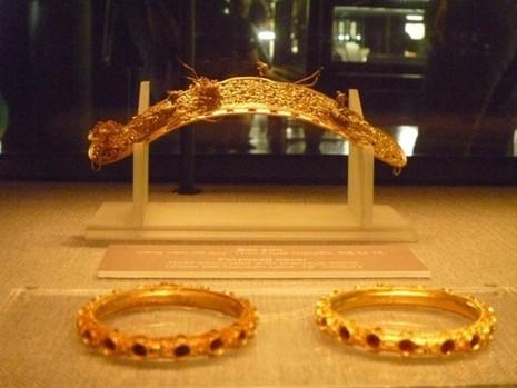 Trưng bày bộ sưu tập 100 món trang sức cổ của người Việt  - ảnh 4