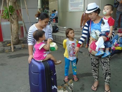Ghi nhận tại bến xe Miền Đông trong ngày đầu kỳ nghỉ lễ kéo dài - ảnh 3