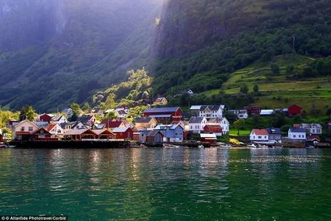 Khám phá những ngôi làng kỳ ảo nhất thế giới - ảnh 8