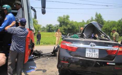 Hiện trường vụ tai nạn thảm khốc ở Đà Nẵng - ảnh 1