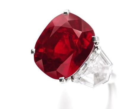 Cận cảnh viên đá ruby 'sang chảnh' có giá hơn 668 tỷ đồng - ảnh 1