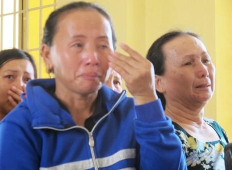 Tuyên án tù giam 2 người thân của HS bị công an xã đánh chết  - ảnh 2