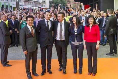 Tiếp nhận CLB Valencia: Tỷ phú Peter Lim đang gặp thách thức phía trước - ảnh 1