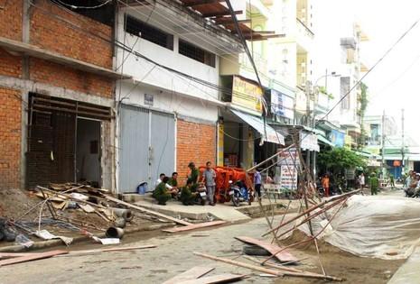 Vụ sập giàn giáo ở Hậu Giang: Thêm một công nhân tử vong - ảnh 2