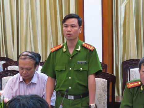 Công an huyện Cẩm Giàng: 'Không có việc người dân bị xe xích nghiến lên người' - ảnh 2