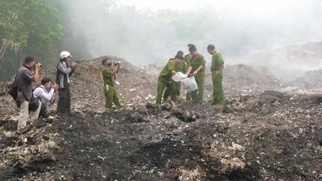 Cảnh sát môi trường được sử dụng vũ khí, vật liệu nổ - ảnh 1