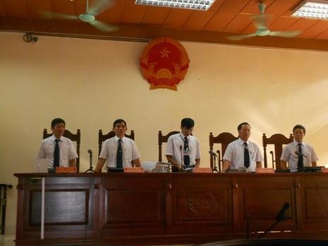 Tòa tuyên Lý Nguyễn Chung 12 năm tù, đề nghị điều tra mở rộng vụ án - ảnh 1