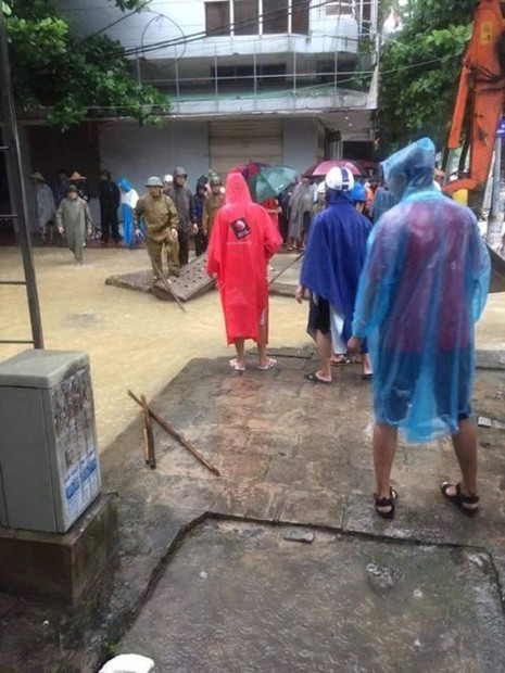 Mưa lớn ở Quảng Ninh: Bị mất tích khi cố cứu con rể bị nước cuốn  - ảnh 1