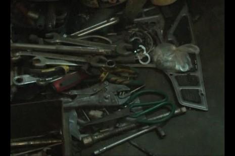 Bắt quả tang thợ sửa xe máy trộm, 'mổ' xe máy để bán  - ảnh 3