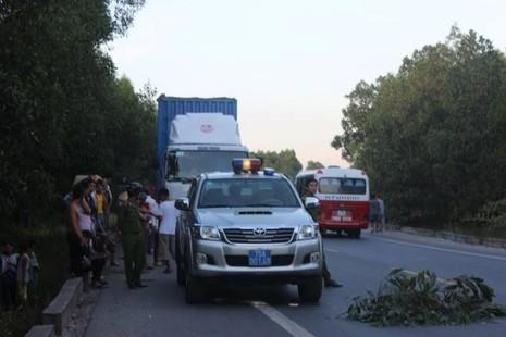 CSGT truy đuổi tài xế xe đầu kéo gây tai nạn nghiêm trọng rồi bỏ trốn - ảnh 3